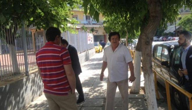 Ευρωεκλογές 2014. Συνταξιούχος αποδοκίμασε τον Βενιζέλο και κατέληξε στο τμήμα