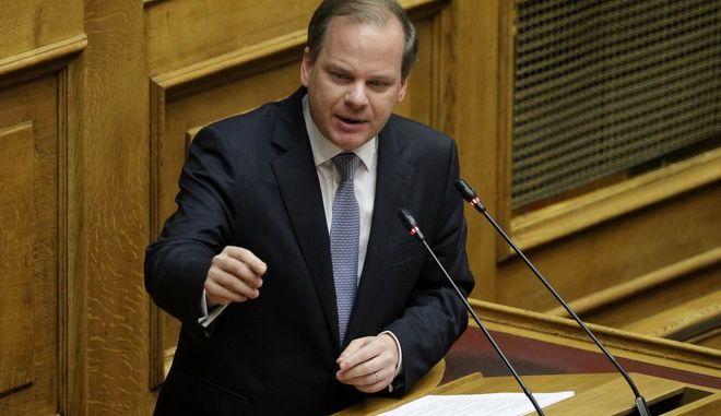 Ο Υπουργός Μεταφορών Κώστας Καραμανλής στη Βουλή, Αρχείο