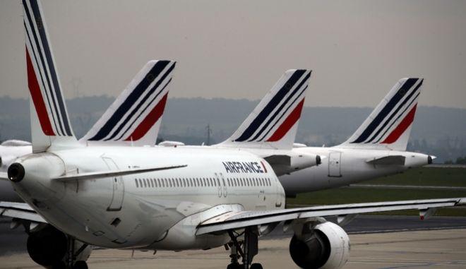"""Η Γαλλία βγάζει από την """"κόκκινη λίστα"""" των πτήσεων την Τουρκία"""