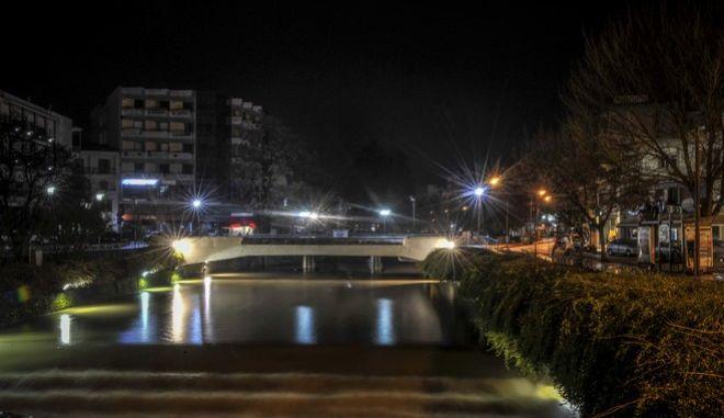 Ο Ληθαίος ποταμός στην πόλη των Τρικάλων