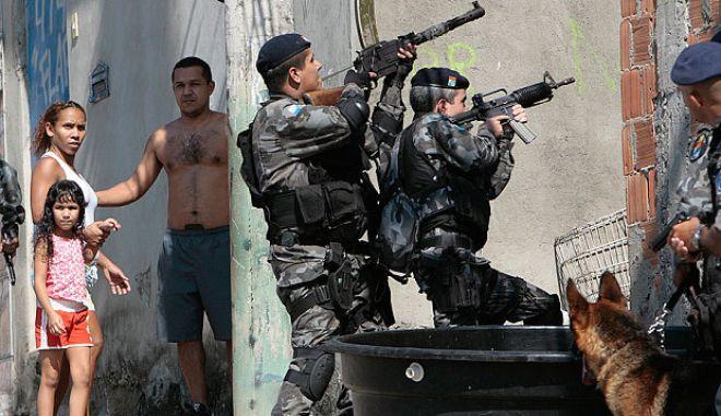 Βραζιλιάνοι αστυνομικοί σκότωναν οκτώ ανθρώπους τη μέρα, κάθε μέρα, το 2014