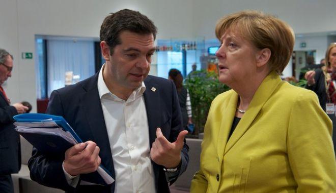 Τσίπρας- Μέρκελ συζήτησαν για Ευρωμεσογειακή Σύνοδο και προσφυγικό