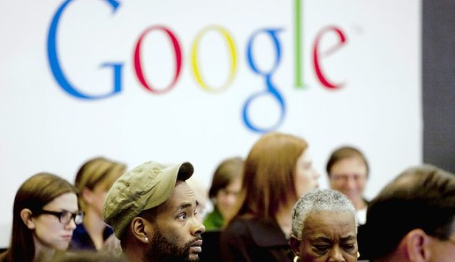 """[People attend a workshop, """"New York Get Your Business Online,"""" Wednesday, Oct. 17, 2012 at Google offices in New York. Google, working with the Small Business Administration and Intuit, is hosting a series of workshops to provide small business owners the tools and resources to establish a website, find new customers, and grow their businesses. (AP Photo/Mark Lennihan)] *** [] ** Usable by LA and DC Only **"""