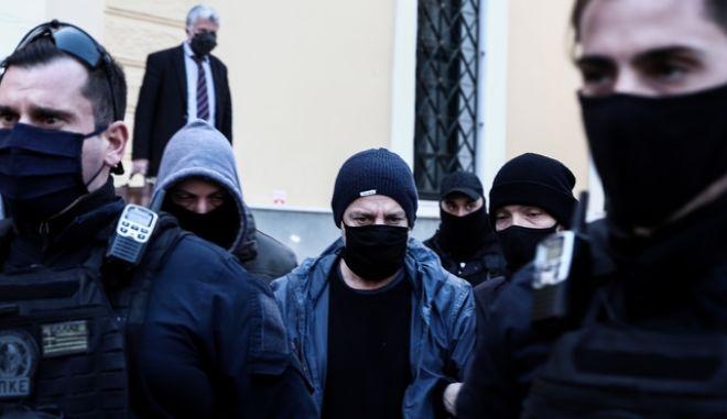 Απολογία του Δημήτρη Λιγνάδη ενώπιον της ανακρίτριας έπειτα από ένταλμα που εκδόθηκε σε βάρος του κατηγορούμενος για το αδίκημα του βιασμού κατά συρροή