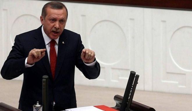 Τουρκία-Υπόθεση διαφθοράς: Δικηγόροι ζητούν επανεξέταση υποθέσεων λόγω των δηλώσεων του πρωθυπουργού Ερντογάν