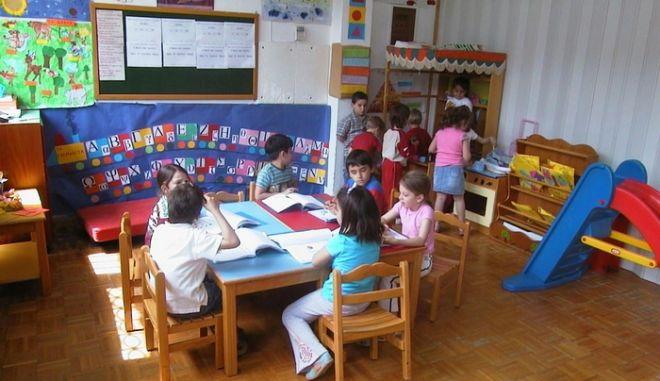 Περίπου 90.000 παιδιά στους δωρεάν βρεφονηπιακούς σταθμούς