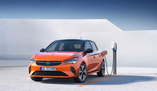 """Τα 12 """"e - cars"""" που έρχονται στην Ελλάδα το 2020"""
