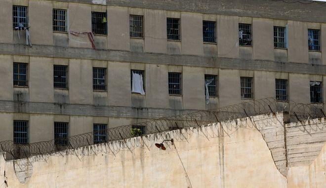 Στιγμιότυπο από το νοσοκομείο-ψυχιατρείο των φυλακών του Κορυδαλλού