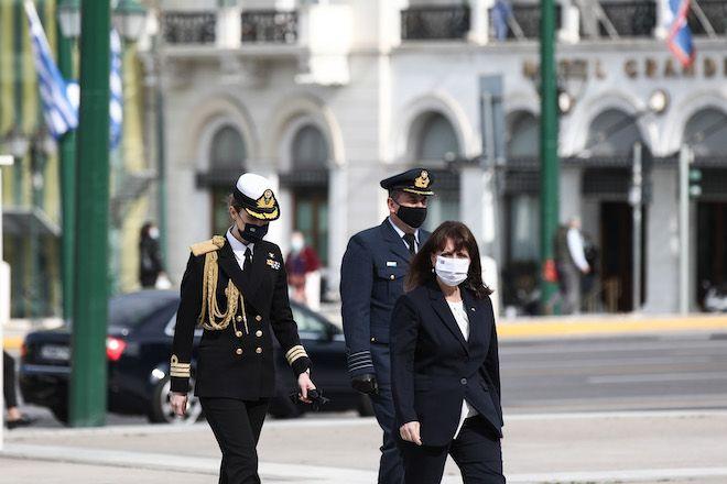 Η Πρόεδρος της Δημοκρατίας Κατερίνα Σακελλαροπούλου κατέθεσε στεφάνι στο Μνημείο του Αγνώστου Στρατιώτη, για την Ημέρα Φιλελληνισμού και Διεθνούς Αλληλεγγύης, 19 Απριλίου 2021