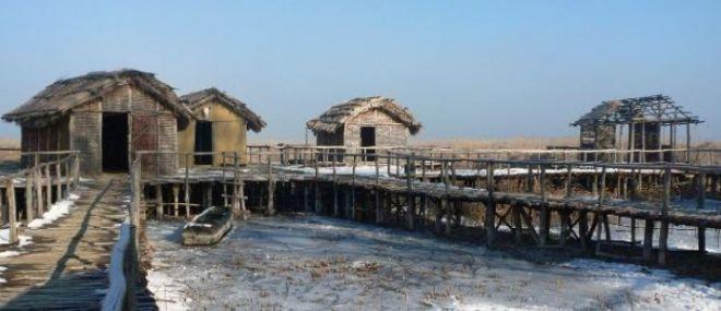 Μηχανή του Χρόνου: Το προϊστορικό χωριό σε βυθό ελληνικής λίμνης
