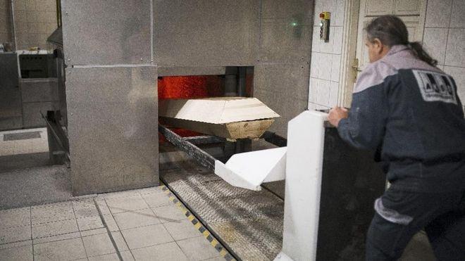 Από τη Βουλγαρία στην Πάτρα. Ο Ιερός Πόλεμος της καύσης νεκρών