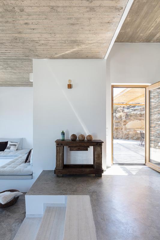 Στο εσωτερικό ενός ονειρεμένου σπιτιού στη Σίφνο
