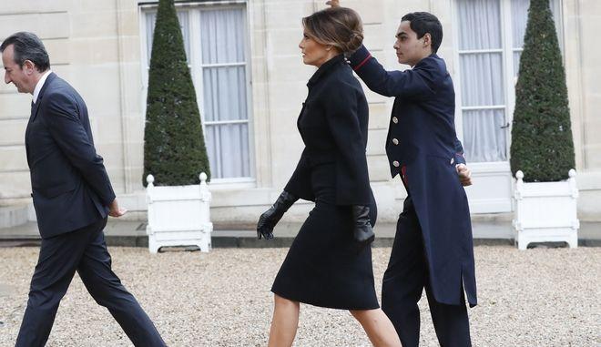 H Melania Trump φτάνει στο Elysee