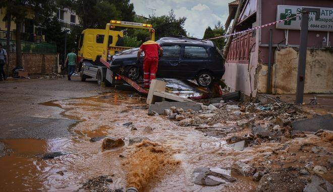 Καταστροφές στην Μάνδρα Αττικής από τις πλημμύρες