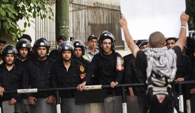 Δολοφονία φοιτητή από αστυνομικό στην Αίγυπτο