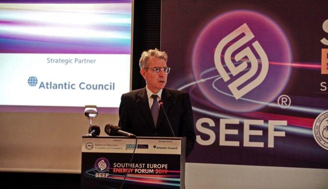 Στο το βήμα του Ενεργειακού Φόρουμ Νοτιοανατολικής Ευρώπης 2019, ο Αμερικανός πρέσβης Τζέφρι Πάιατ