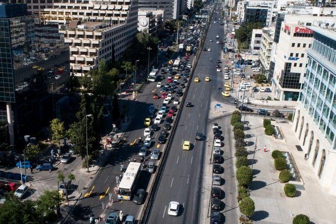 Κυκλοφοριακό χάος στην άνοδο της Λ.Συγγρού,λόγω έργων αποκατάστασης της ασφάλτου.