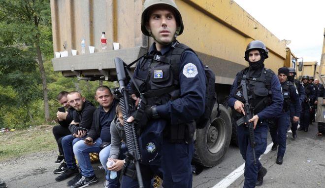 Κοσοβάροι αστυνομικοί στη συνοριακή στιγμή