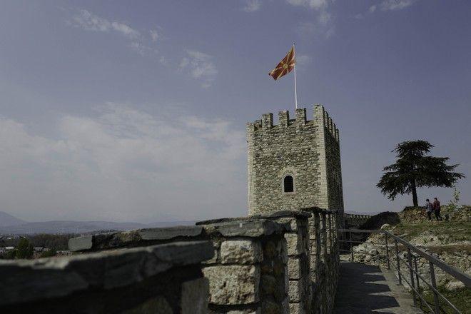 Συνάντηση Μπέττυς Μπαζιάνα – Ζορίτσα Ζαέβα: Τα δώρα και η ξενάγηση στο κάστρο των Σκοπίων