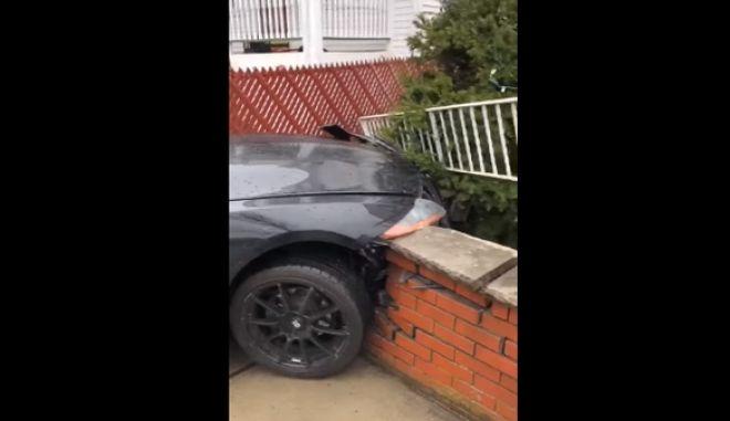 Κρίμα: Έκανε σμπαράλια τη BMW Z4 την μέρα που την αγόρασε