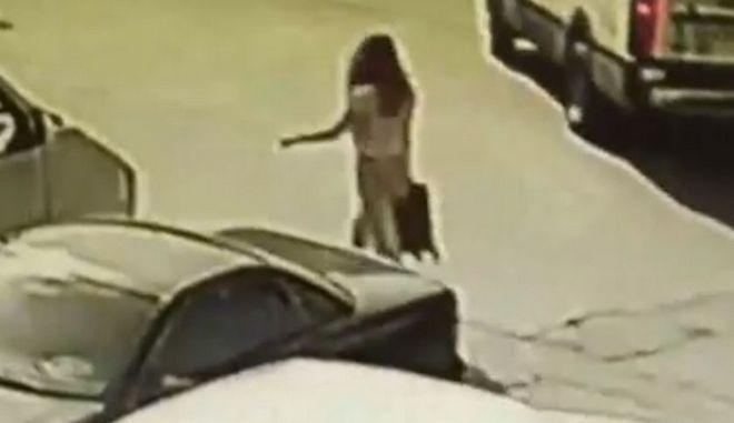 """Επίθεση με βιτριόλι: Το τηλέφωνο της 34χρονης και οι κάμερες στο """"μικροσκόπιο"""" των αρχών"""