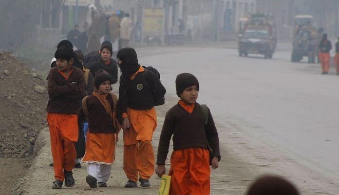 Πακιστάν: Επίθεση με βόμβα σημειώθηκε σε σχολείο