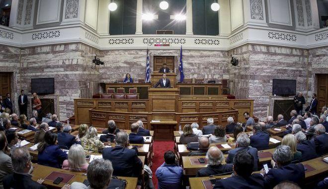 Στιγμιότυπο από τη συνεδρίαση της Κοινοβουλευτικής Ομάδας του ΣΥΡΙΖΑ