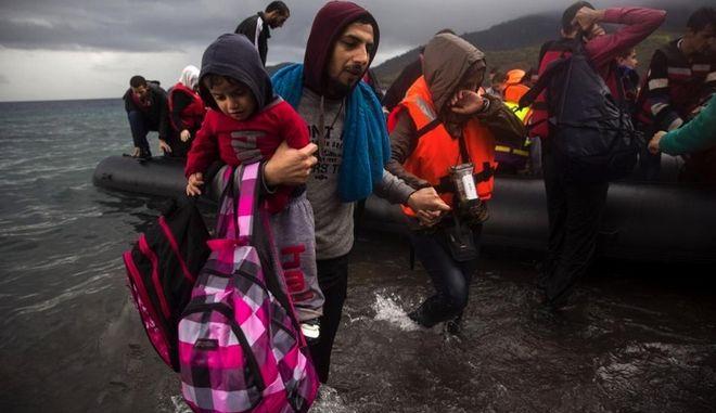 Καρβούνης: Η Ελλάδα δεν απειλείται με έξοδο από τη Σένγκεν