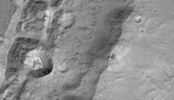 Το ευρω- ρωσικό σκάφος TGO έβγαλε τις πρώτες φωτογραφίες του Άρη