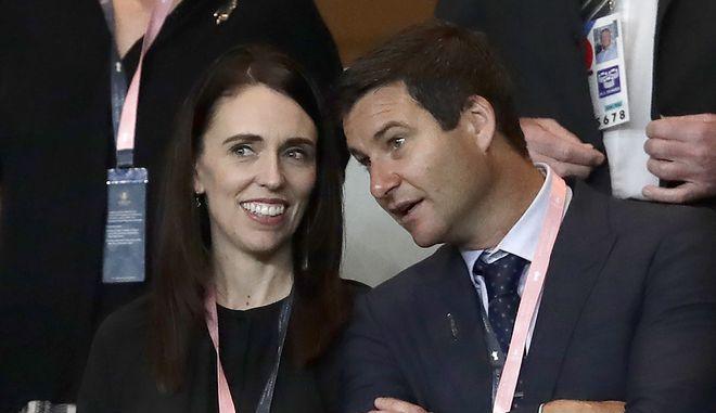 Η Τζασίντα Άρντερν και ο σύντροφός της Κλαρκ Γκέιφορντ σε εκδήλωση τον Σεπτέμβριο του 2019
