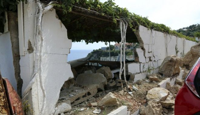 Λέσβος: 482 κτίσματα μη κατοικήσιμα στη Λέσβο