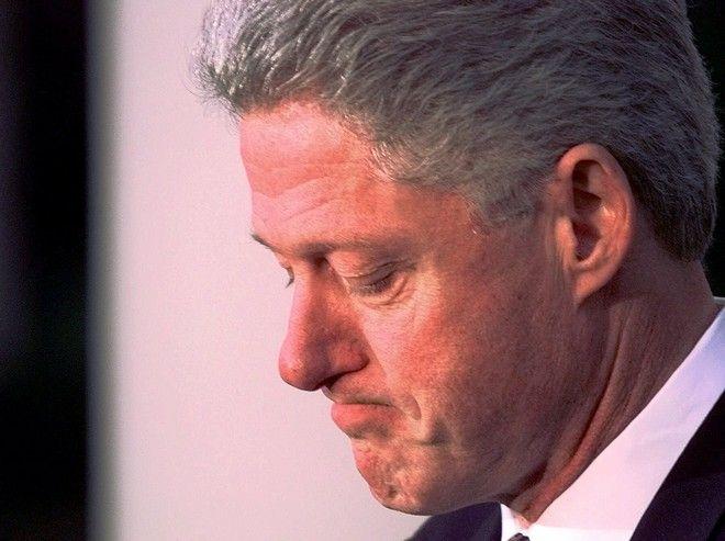 O Βill Clinton την ημέρα της δίκης.(AP Photo/Greg Gibson)
