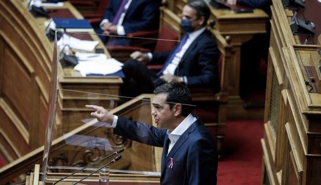 Κυριάκος Μητσοτάκης και Αλέξης Τσίπρας στη Βουλή