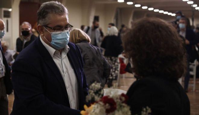 Κουτσούμπας: Υποδέχθηκε την Μ. Φύσσα σε εκδήλωση για τη δίκη της ΧΑ