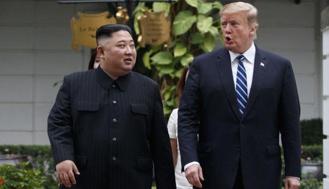 """ΗΠΑ σε Β. Κορέα: """"Απογοητευτική η παρουσίαση πυραύλου- Ελάτε να διαπραγματευτούμε"""""""