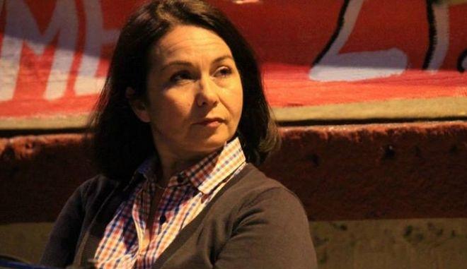 Η Σόφη Παπαδογιάννη μηνύει ΕΛ.ΑΣ. και υπουργείο για δακρυγόνο που δέχθηκε στο κεφάλι