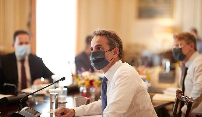 Ο Κυριάκος Μητσοτάκης σε υπουργικό συμβούλιο