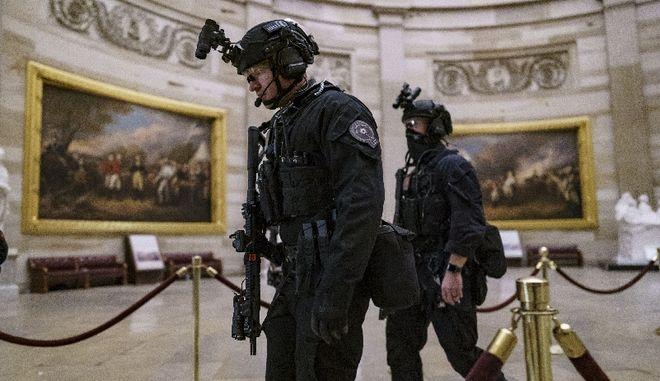 ΗΠΑ: Aυτοσχέδιες βόμβες εντοπίστηκαν στα κεντρικά γραφεία Ρεπουμπλικάνων και Δημοκρατικών