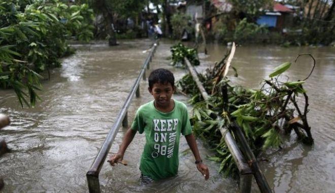 Φιλιππίνες: Τέσσερις νεκροί και 8 αγνοούμενοι από το πέρασμα του τυφώνα Νοκ-Τεν