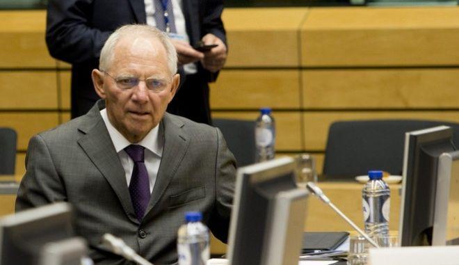 Σόιμπλε: Δεν απείλησα με Grexit, η Ελλάδα βρίσκεται στο σωστό δρόμο