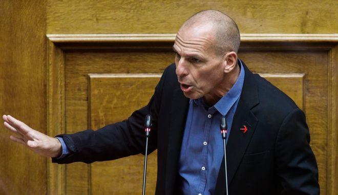 Συζήτηση, κατόπιν αιτήματος του Πρωθυπουργού Κυριάκου Μητσοτάκη, σύμφωνα με το άρθρο 142Α του Κανονισμού της Βουλής, με αντικείμενο την ενημέρωση του Σώματος για την κυβερνητική πολιτική σχετικά με την αντιμετώπιση της πανδημίας, την Πέμπτη 12 Νοεμβρίου 2020. (EUROKINISSI/ΓΙΩΡΓΟΣ ΚΟΝΤΑΡΙΝΗΣ)