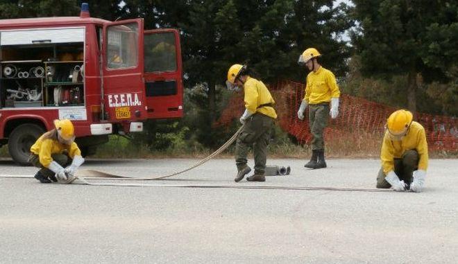 """Νέο σκάνδαλο: ΜΚΟ εθελοντικής πυρόσβεσης βάζει """"φωτιά"""". Αποκόμισε πάνω από 2 εκατ. ευρώ"""