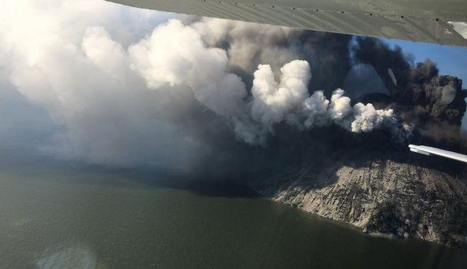 Ανησυχία και φόβος: 'Ξύπνησε' ηφαίστειο που θεωρούσαν ανενεργό