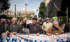 Συγκέντρωση συνταξιούχων στην πλατεία Κλαυθμώνος και πορεία διαμαρτυρίας προς το Μέγαρο Μαξίμου