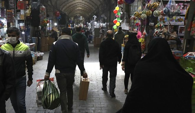 Συνωστισμός στους δρόμους του Ιραν παρά τα μέτρα