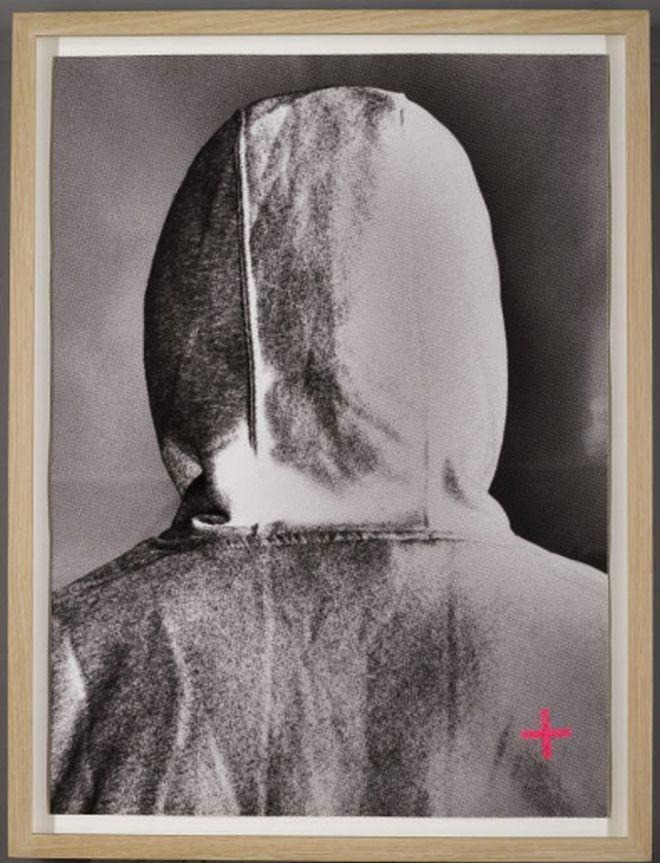 Πλήρωσε 43600 δολάρια για μία φωτογραφία του πίσω μέρους του κεφαλιού του Banksy