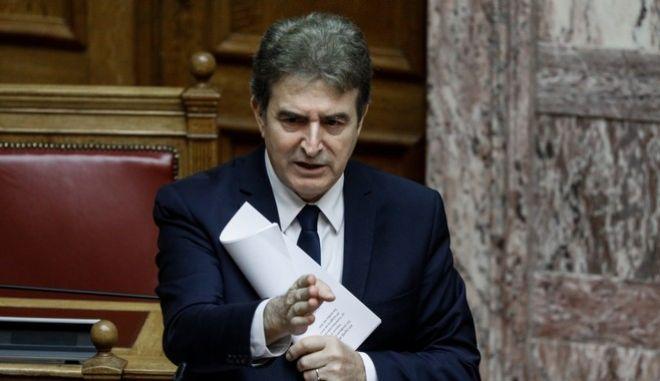 Ερώτηση βουλευτών του ΣΥΡΙΖΑ προς τον Υπουργό Προστασίας του Πολίτη Μιχάλη Χρυσοχοϊδη, για την αστυνομική βία