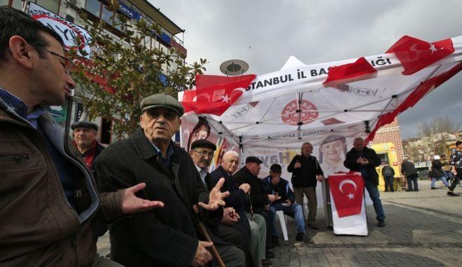 Τουρκία: Η αντιπολίτευση ζητά ακύρωση του δημοψηφίσματος
