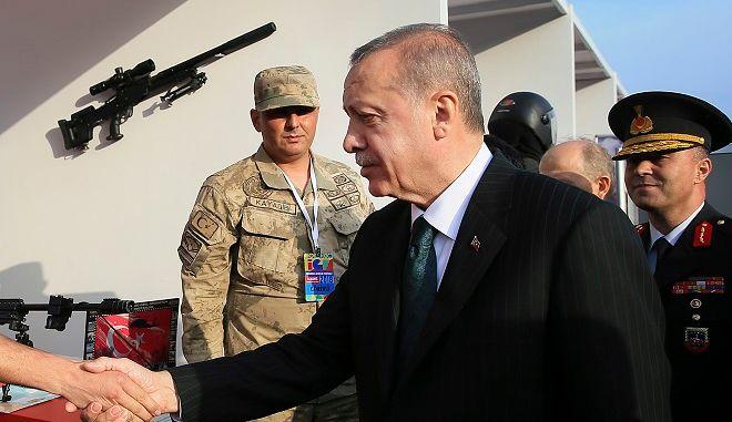 O Eρντογάν επισκέφθηκε έκθεση στρατιωτικών εξοπλισμών στην Κωνσταντινούπολη, παραμονές των εκλογών στις 24 Ιουνίου 2018