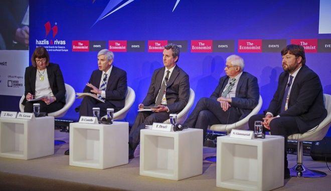 22η Συζήτηση Στρογγυλής Τραπέζης με την Ελληνική Κυβέρνηση, συγκεντρώνοντας εξέχοντες στοχαστές από την Ελλάδα και το εξωτερικό σε μια ανοιχτή συζήτηση για το μέλλον